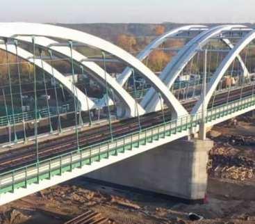 W tym roku kolejarze oddadzą do użytku 150 mostów i 100 wiaduktów  avatar