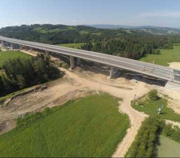 Małopolska: najdłuższa estakada w ciągu S7 już po próbach obciążeniowych