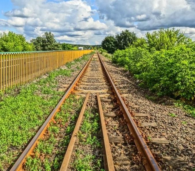 Jest umowa na 660 mln EUR kredytu na projekty kolejowe