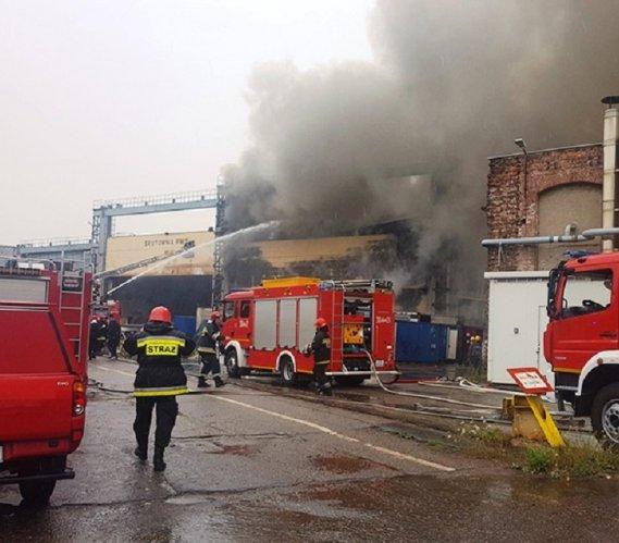 Pożar na terenie Stoczni Nauta w Gdańsku