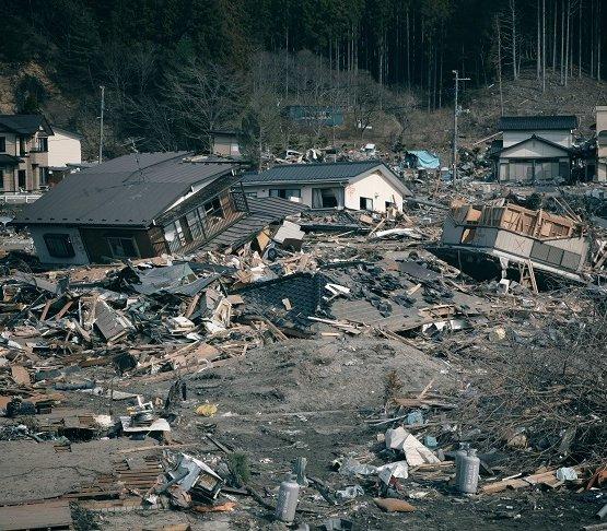 Rośnie liczba ofiar trzęsienia ziemi i tsunami w Indonezji [aktualizacja]