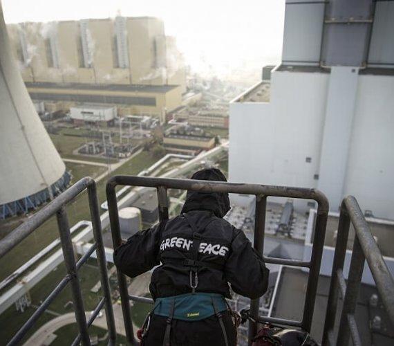Protest na chłodni kominowej Elektrowni Bełchatów