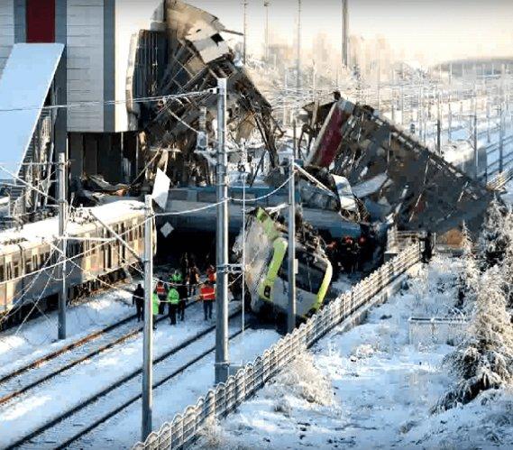 Katastrofa w Turcji. W Ankarze wykoleił się szybki pociąg