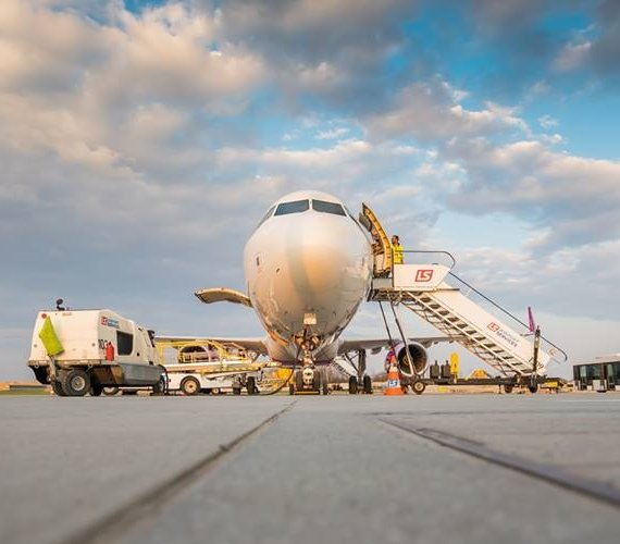 Krakowskie lotnisko wdraża innowacyjną technologię odprowadzania deszczówki