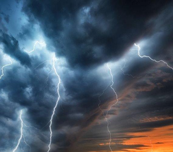 Uwaga, dziś burze! RCB ostrzega przed podtopieniami