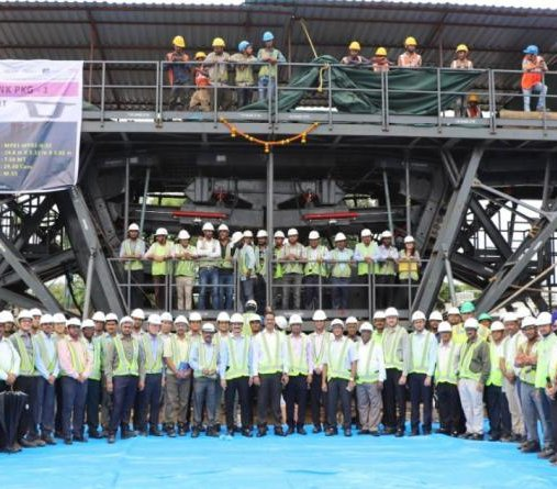 Indie rozpoczęły budowę megamostu