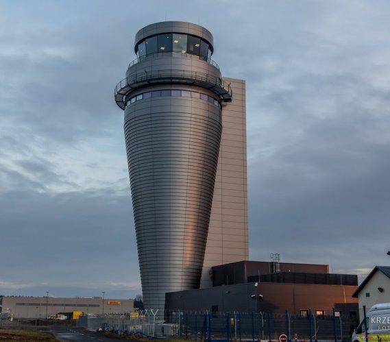 Najwyższa wieża kontroli lotów w Polsce niedługo w użytku