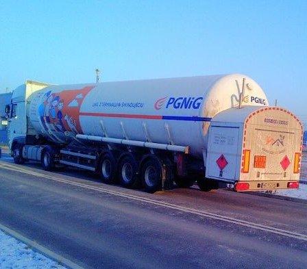 Gaz skroplony LNG z PGNiG trafi do ciężarówek