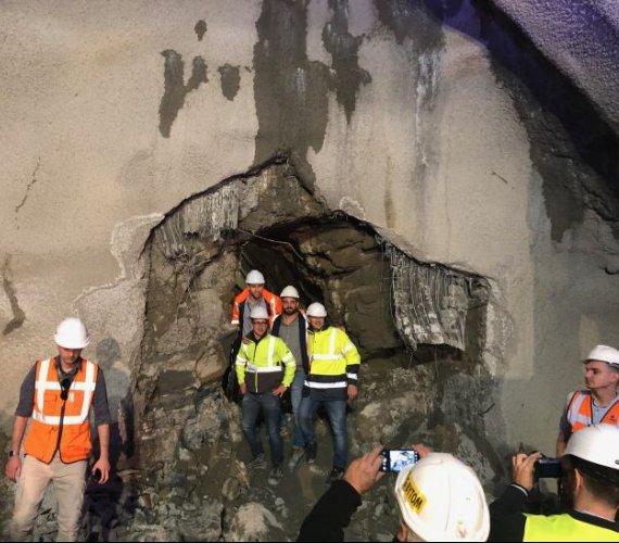 Zakopianka: prawa nitka tunelu przebita