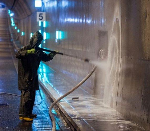 Prace serwisowe w tunelu pod Martwą Wisłą w Gdańsku
