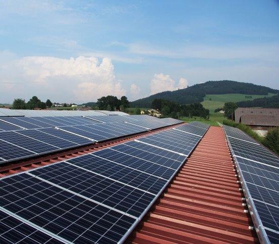 Panele fotowoltaiczne a kolektory słoneczne - porównanie
