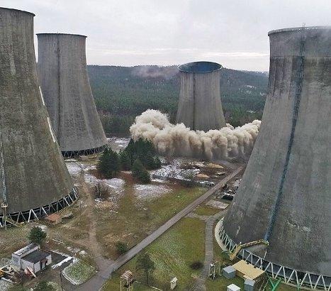 Elektrownia Siersza: wyburzono chłodnię kominową