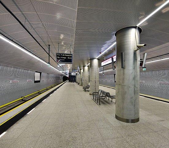 II linia warszawskiego metra wdecydującej fazie