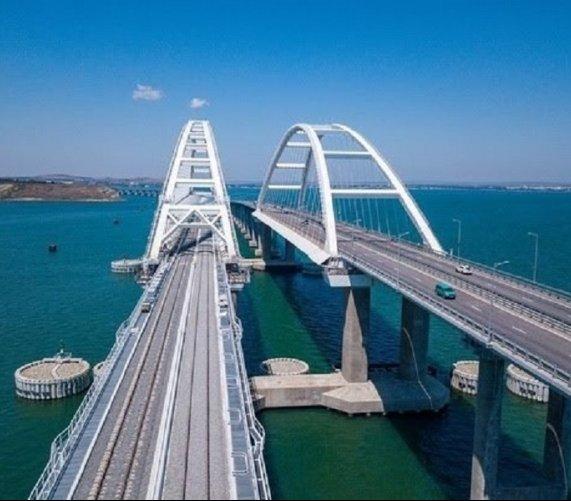 Most Krymski otwarty: pociąg wjechał na terytorium zaanektowanego Krymu