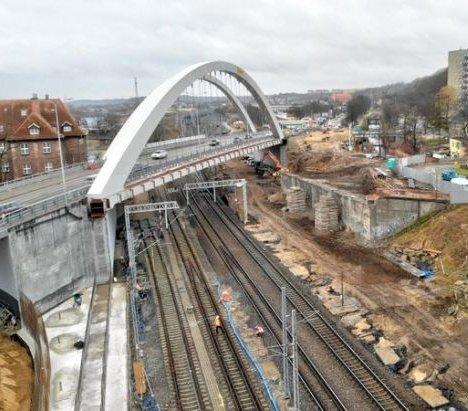 Gdańsk: kolejny etap budowy wiaduktu Biskupia Górka