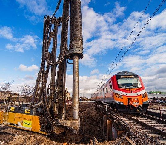 Zabezpieczenie wykopu na budowie tunelu w Kościanie