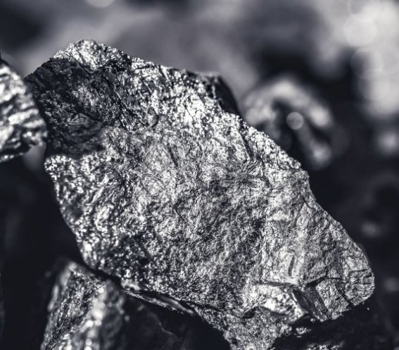 Polska ma miliony ton zapasu węgla. PGE kupiło węgiel z Kolumbii: dlaczego?
