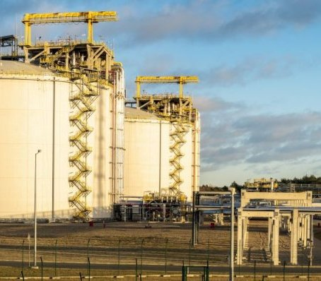 Terminal LNG w Świnoujściu: rozbudowa trwa, ale moce już zarezerwowane