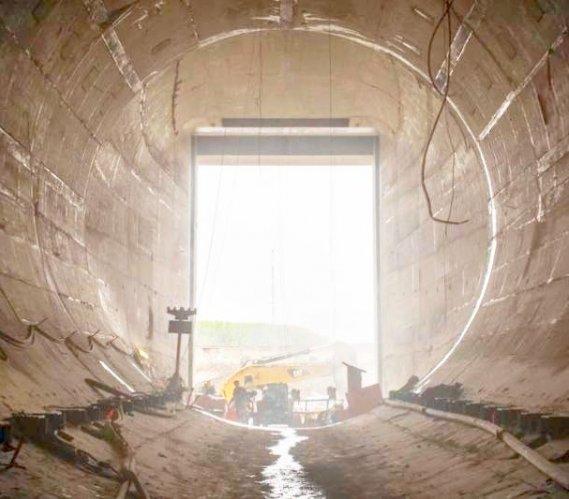 Kanada: tunele pomogą zmienić bieg rzeki