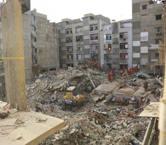 W Pakistanie zawalił się blok mieszkalny. Co najmniej 13 mieszkańców nie żyje