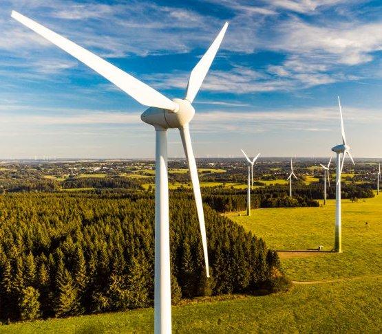 Prawie 100 MW mocy mają dwie nowe farmy wiatrowe nad Bałtykiem