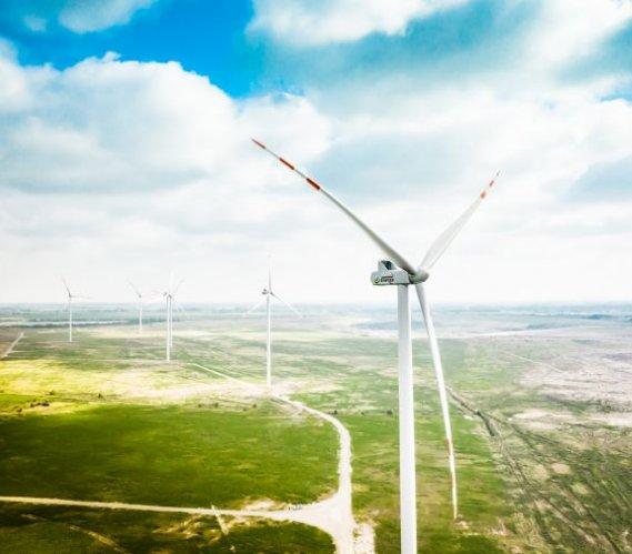 Jedna z największych polskich farm wiatrowych uruchomiona