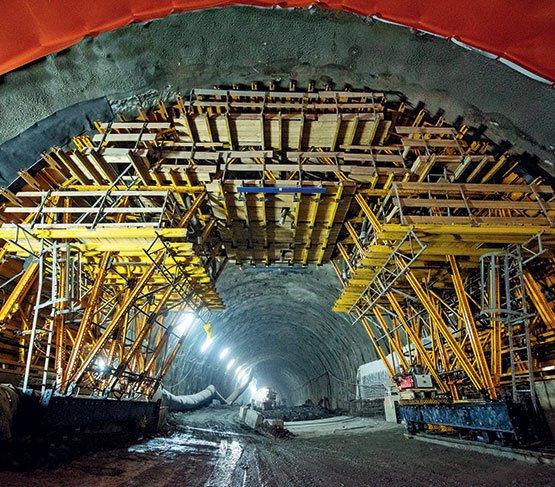 """Wózek do betonowania  """"szyty na miarę"""" na budowie najdłuższego  tunelu drogowego w Polsce"""