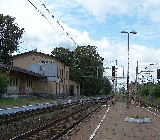 Modernizacja dwóch dworców na trasie Poznań–Toruń [wizualizacje]