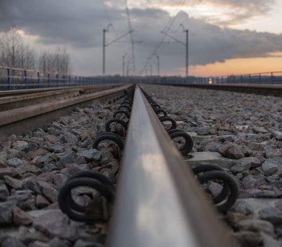 Będą dodatkowe tory na szlaku z Warszawy do Mińska Mazowieckiego
