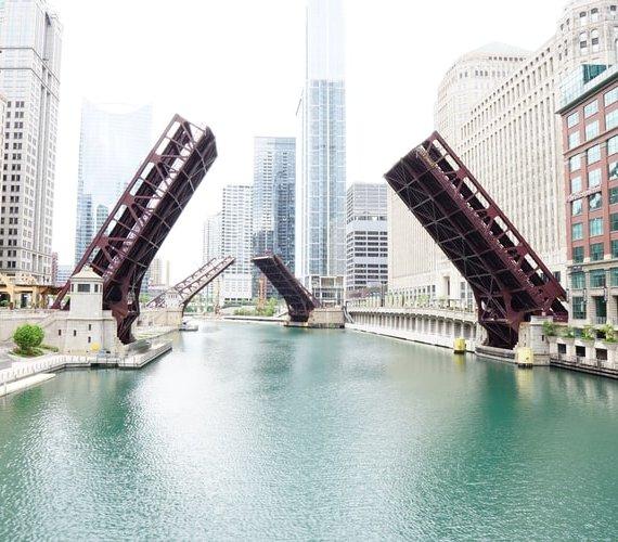 Przekrocz naturalne granice – buduj mosty zamiast murów