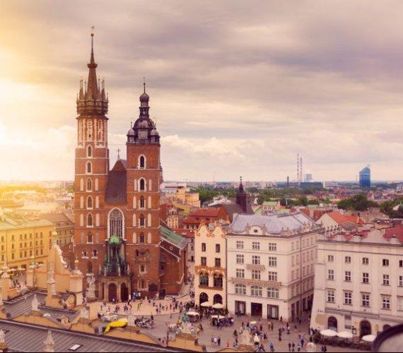 Kraków znika z żółtej strefy. Aktualna lista powiatów objętych obostrzeniami