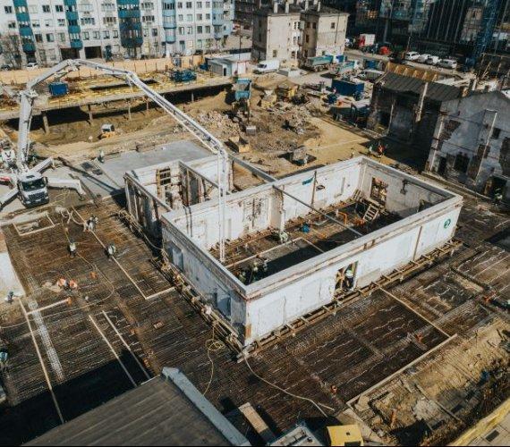 Spacer po budowie Fabryki Norblina [FILM]