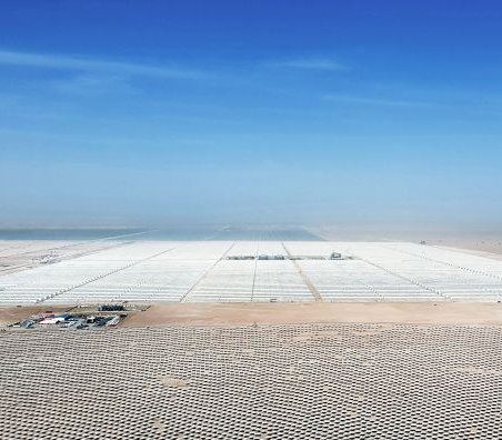 Dubaj: elektrownia termo-solarna działająca całą dobę
