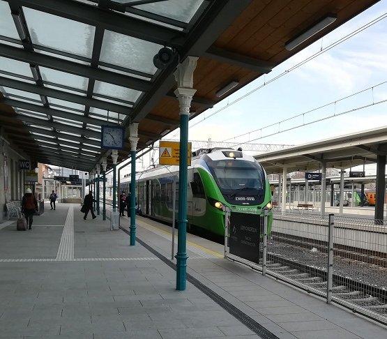 Budowa linii kolejowej do jednego z największych lotnisk w Polsce