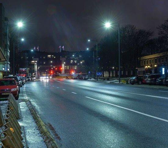 Wielka wymiana oświetlenia w Warszawie. Podpisano umowę
