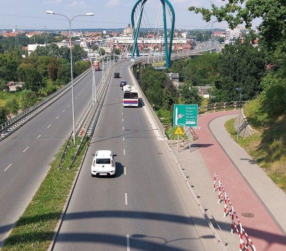 Bydgoszcz: Most Uniwersytecki zamknięty. Kto popełnił błąd?