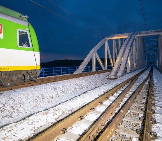 Kolejny odcinek linii Warszawa–Radom stał się dwutorowy