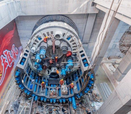 Hybrydowa maszyna TBM na wielkiej chińskiej inwestycji kolejowej