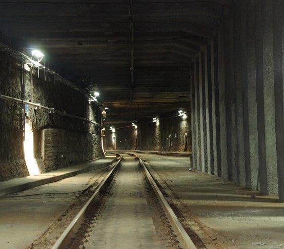 Dwa nowe przystanki i szerszy tunel linii średnicowej – w stolicy podpisano ważną umowę