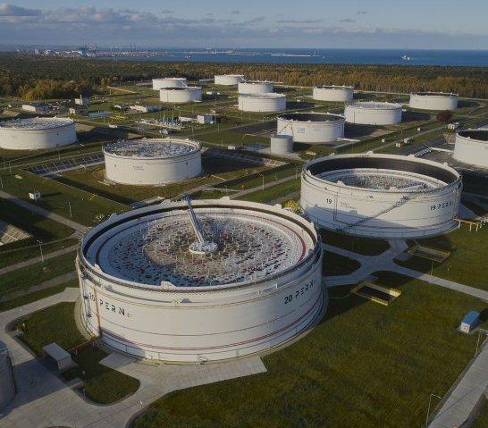 PERN rozbudowuje magazyny paliw – 13 zbiorników w cztery lata [film]