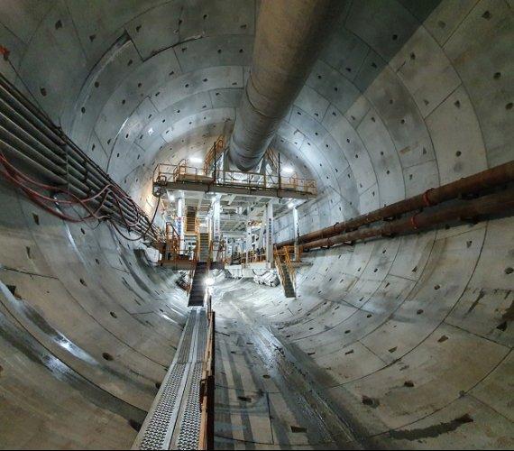 Tunel w Świnoujściu: spacer pierwszym odcinkiem [wideo]
