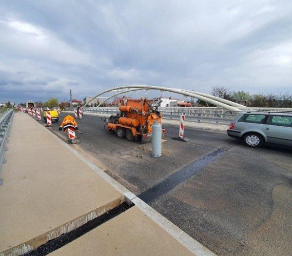 Most w Szczebrzeszynie po próbach obciążeniowych