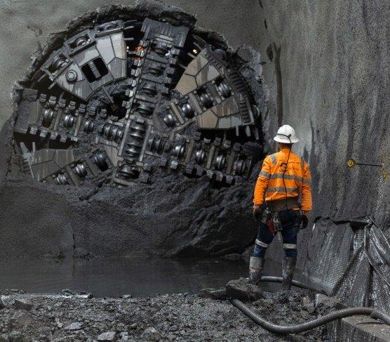 Cztery TBM zakończyły drążenie tuneli metra pod Melbourne