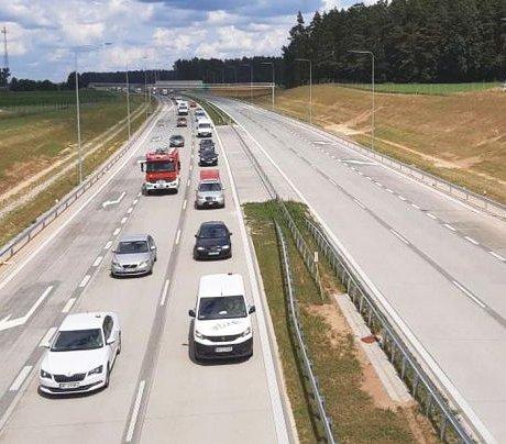 Kierowcy wjechali na nowy odcinek drogi S61