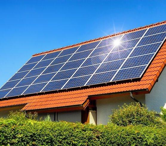 Jak utylizować panele fotowoltaiczne? Wspólne badania politechniki i Enei