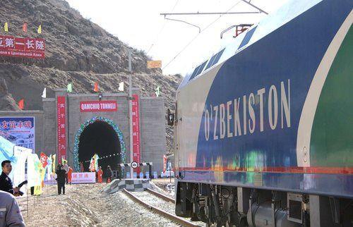 Testy najdłuższego tunelu kolejowego w Azji Środkowej