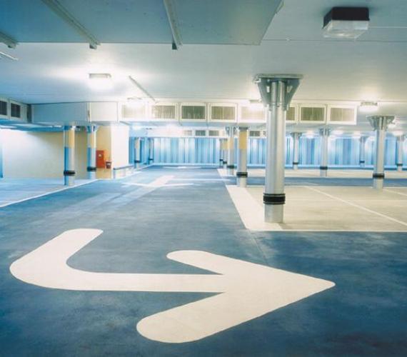 Parkingi podziemne o ścianach konstrukcyjnych wykonanych z grodzic