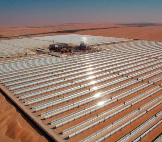 Uruchomiono wielką solarną elektrownię w ZEA