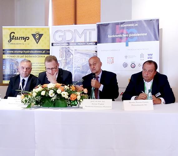 Panel dyskusyjny podczas I konferencji