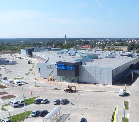 W Starachowicach otwarto centrum handlowe Galardia